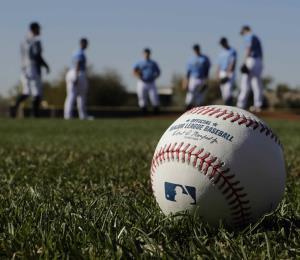Grandes Ligas evalúa comenzar la temporada en los parques de Arizona y Florida