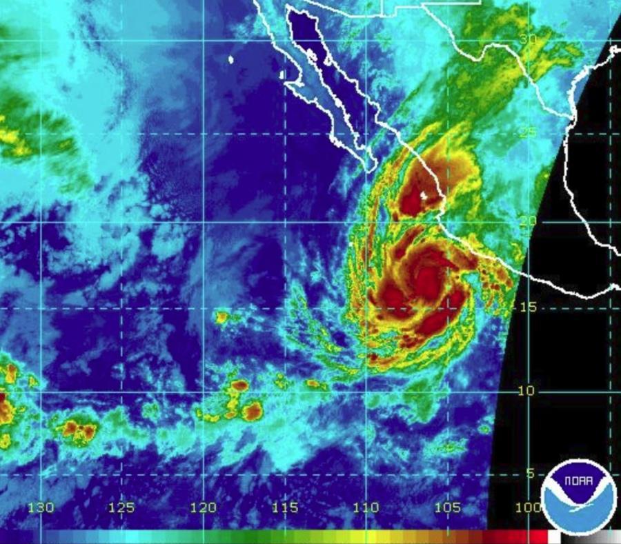 Imagen de satélite del fenómeno atmosférico. (NOAA) (semisquare-x3)