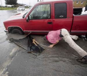 Imelda amenaza con inundaciones a Houston