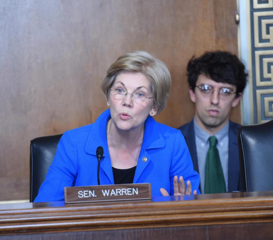 Elizabeth Warren indicó que los acreedores tendrían seis meses después de aprobada la legislación para ir, por ejemplo, al Tribunal Federal en San Juan a demostrar que su deuda está asegurada mediante gravamen, y no debe ser tachada. (AP) (semisquare-x3)