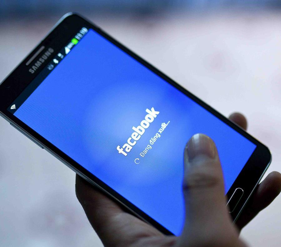 Facebook estuvo abajo por varios minutos. (AP) (semisquare-x3)