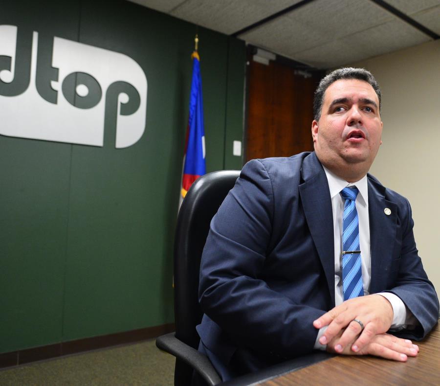Carlos Contreras, jefe del DTOP (semisquare-x3)
