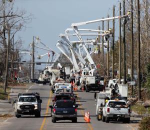 Sobre 100,000 casas siguen sin electricidad en Florida