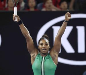 Serena Williams avanza a cuartos en Australia
