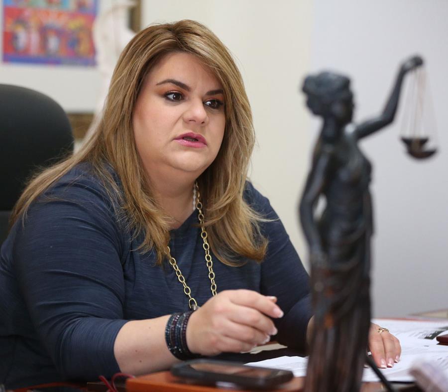 Según Jenniffer González, el proyecto tiene la intención de convertir a Puerto Rico en un territorio incorporado y crear un Grupo de Trabajo del Congreso que examine los cambios en leyes que se requieren para que la isla sea un estado de cara a enero 2021 (semisquare-x3)