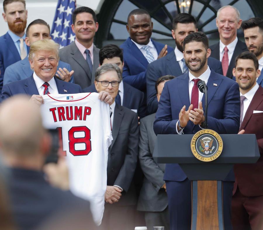 Medias Rojas celebra en Casa Blanca corona de béisbol estadounidense