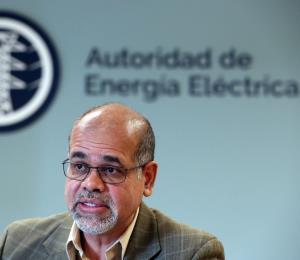 Justo González es ahora subdirector ejecutivo de la AEE