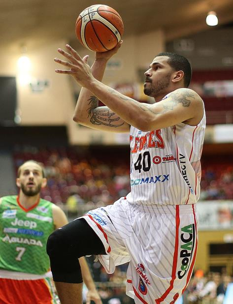 Ángel Daniel Vassallo anotó 25 puntos en el triunfo de Ponce sobre Aguada. (vertical-x1)
