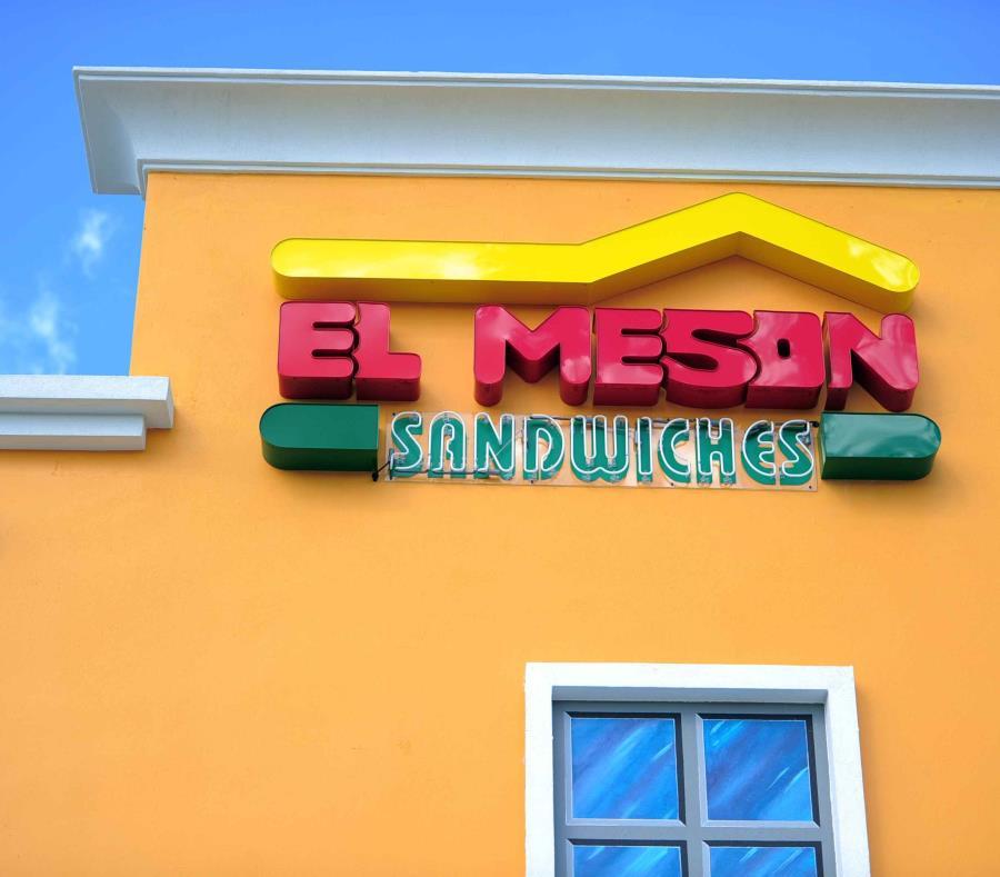 Logo de El Mesón Sándwiches (semisquare-x3)
