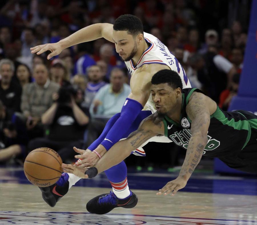 Los 76ers evitan la barrida de los Celtics