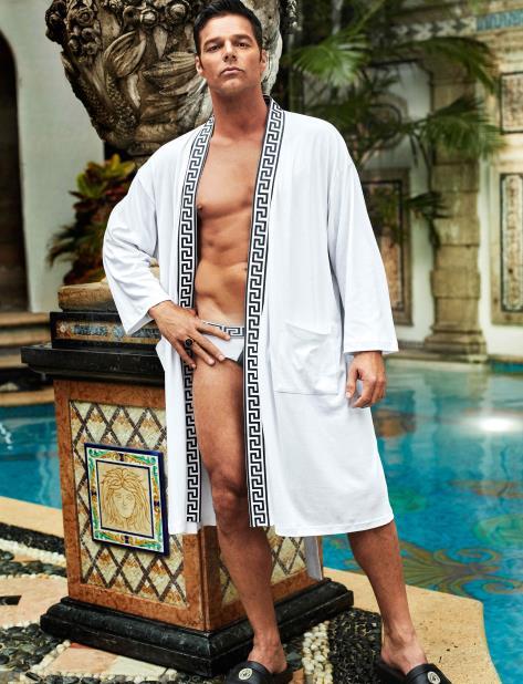 Ricky Martin da vida a Antonio D'Amico, pareja de Versace.  (GFR Media) (vertical-x1)