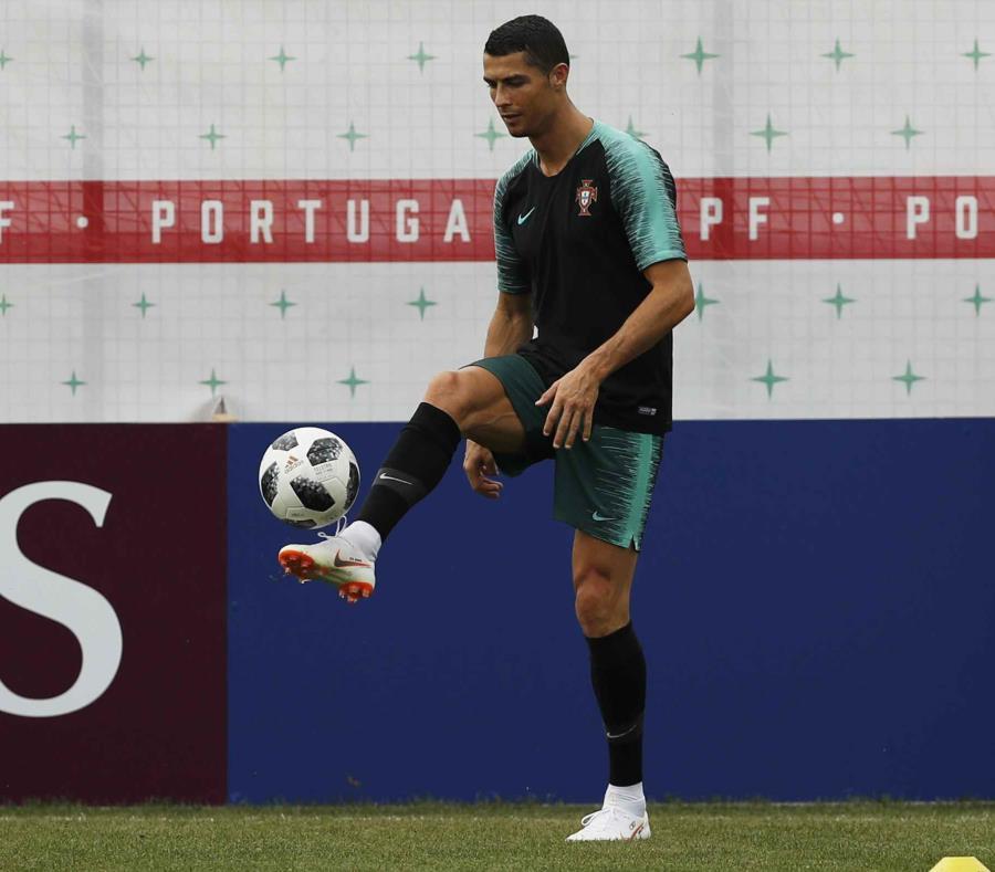 Cristiano Ronaldo durante una práctica de Portugal. (AP) (semisquare-x3)