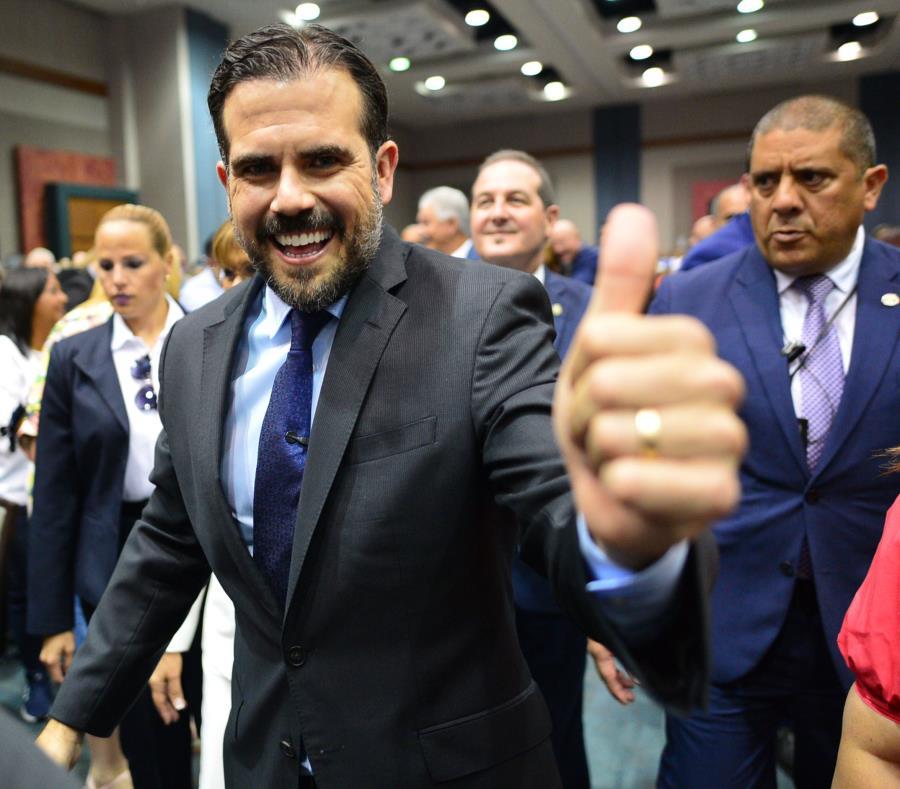 Ricardo Rosselló a su llegada al Complejo Ferial de Ponce. (semisquare-x3)