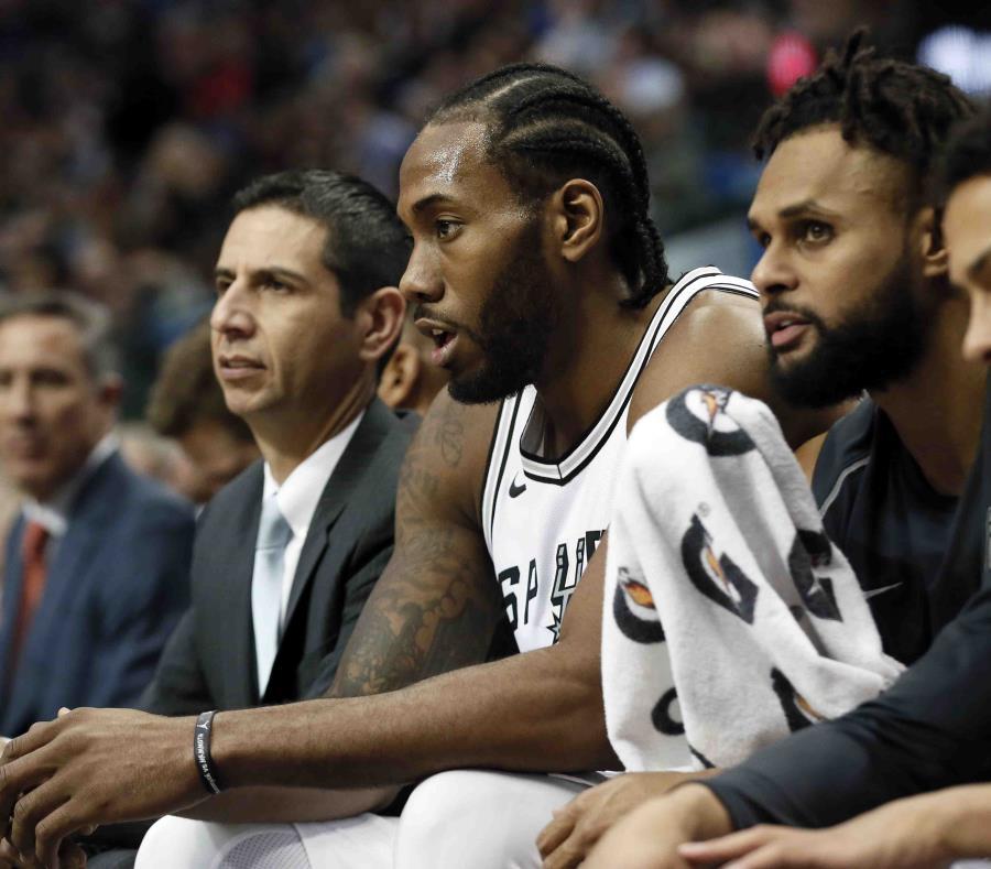 Leonard será baja con Spurs