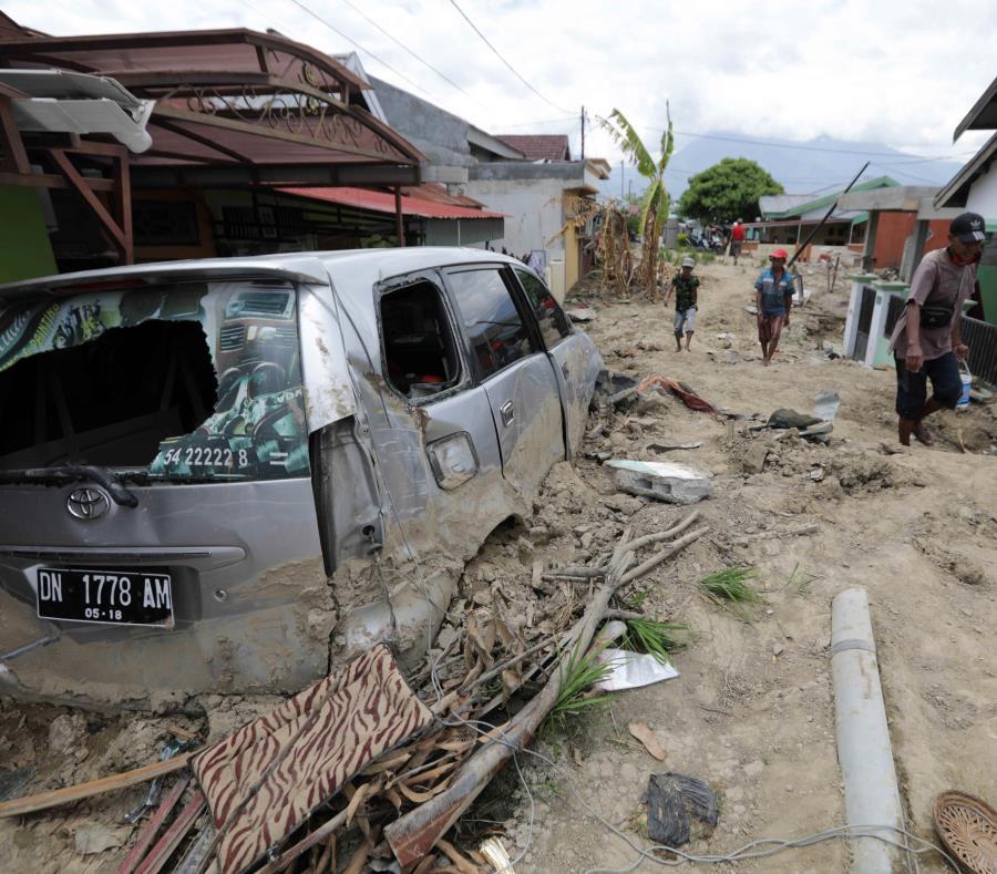 Aumentan a 2,045 los muertos por el terremoto y el tsunami en Indonesia (semisquare-x3)