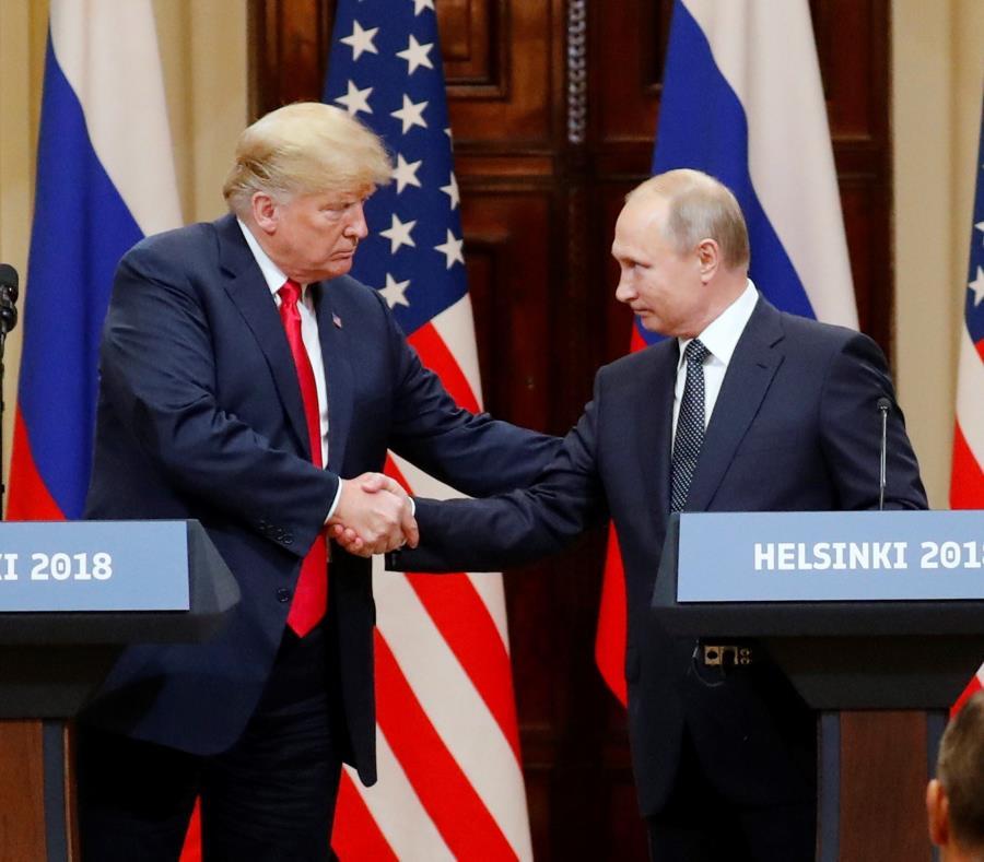 A la izquierda el presidente de Estados Unidos, Donald Trump, junto al presidente de Rusia, Vladimir Putin (semisquare-x3)