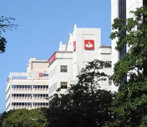 Santander Insurance busca un comprador
