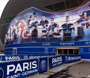 Jugadores del PSG y Tolosa en la liga francesa de fútbol dan positivo al COVID-19