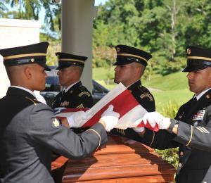 La Guardia Nacional recibe los restos de boricua desaparecido en combate en el 1950