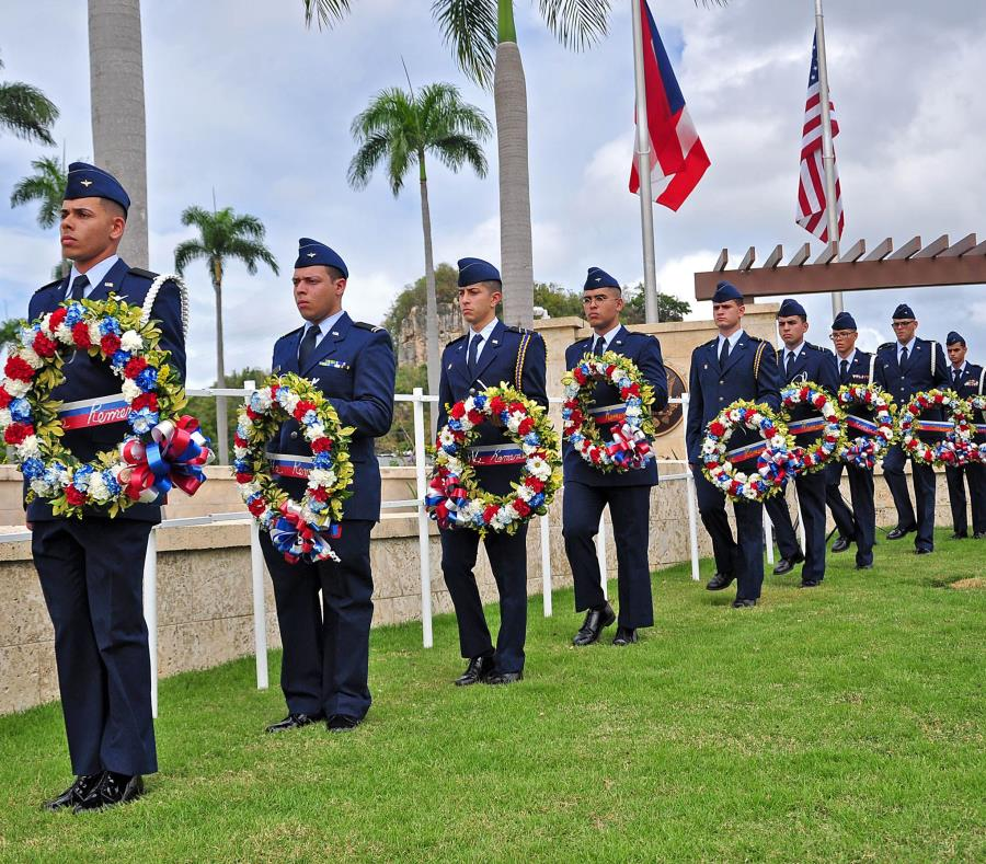 La ceremonia se llevó a cabo el jueves en el Cementerio Nacional en Bayamón. (Suministrada) (semisquare-x3)