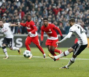 Besiktas empata con Porto y avanza en Liga de Campeones