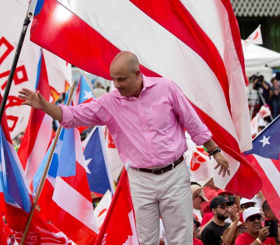 """El presidente del PPD, Héctor Ferrer, confía que se pueda identificar """"el modelo correcto para Puerto Rico"""". (semisquare-x3)"""