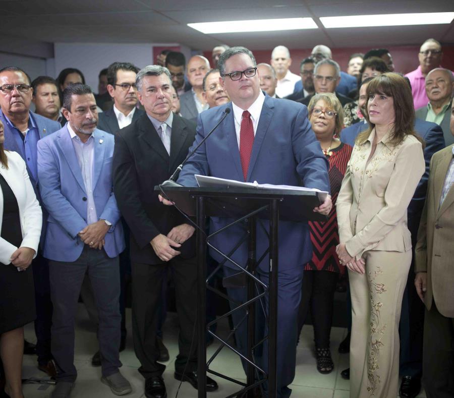 Aníbal José Torres radicó ayer su candidatura a la jefatura del Partido Popular Democrático. (semisquare-x3)