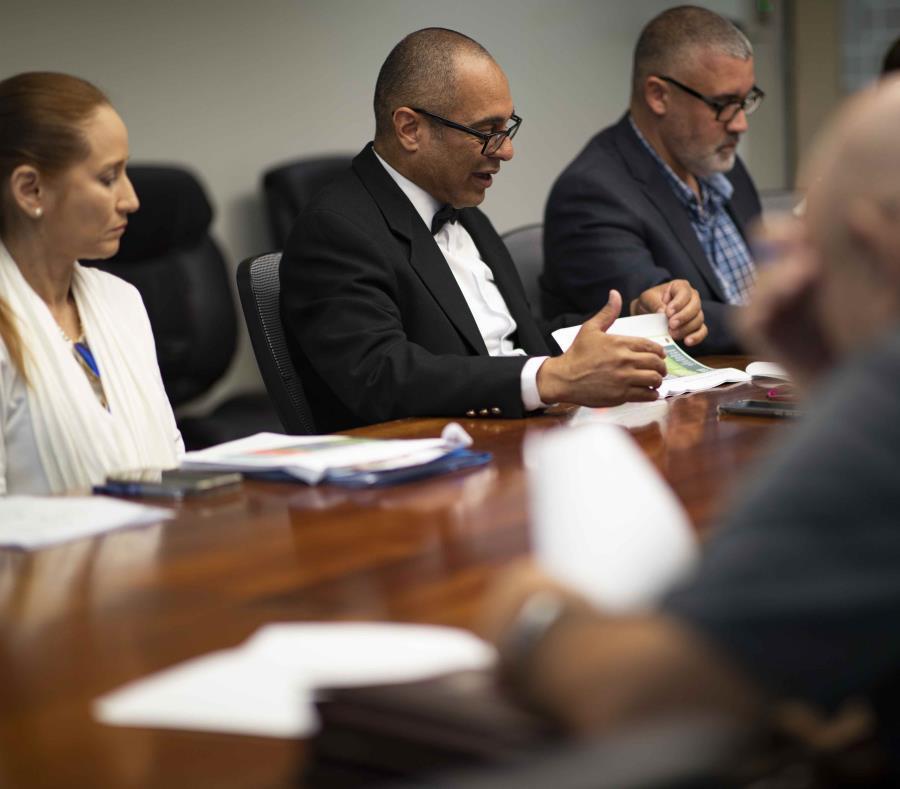 El secretario interino de Educación, Eligio Hernández Pérez, quien ofreció detalles de la matrícula del sistema público de enseñanza para el próximo año escolar 2019-2020. (semisquare-x3)