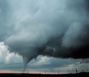 Al menos tres tornados azotaron la isla durante el huracán María