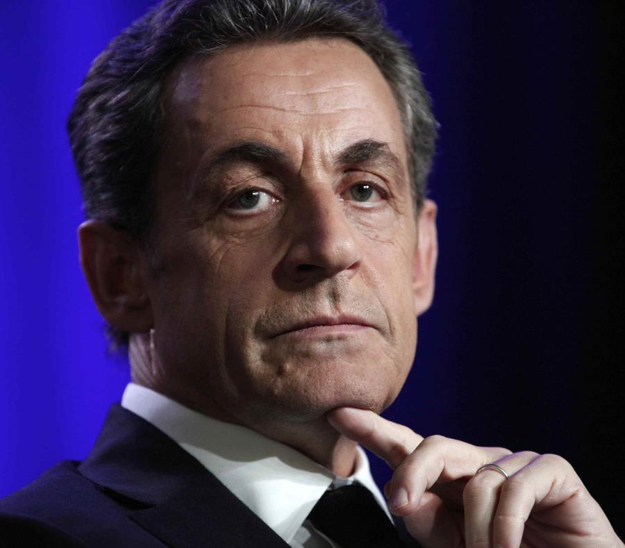 Sarkozy enfrenta acusaciones de que su campaña superó con mucho el techo de gasto de $24 millones e intentó encubrirlo de forma fraudulenta. (AP) (semisquare-x3)