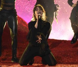 Camila Cabello cancela concierto tras ser hospitalizada