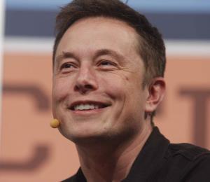 Elon Musk dice que está abrumado por el estrés