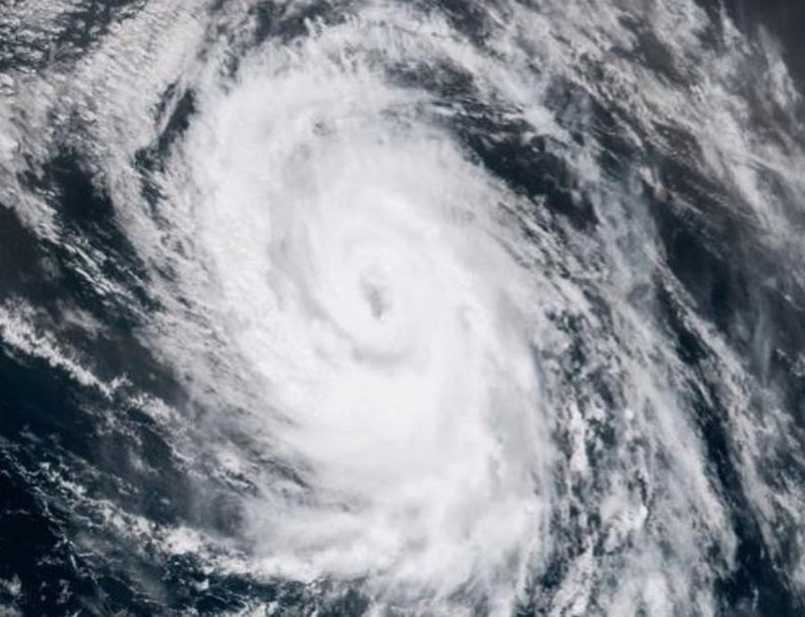 Los teléfonos inteligentes pueden ser un salvavidas en un huracán y estar preparado es clave. (semisquare-x3)