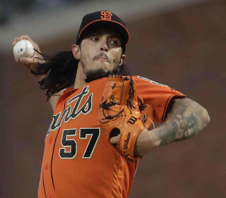 Dereck Rodríguez fue enviado a la filial Triple A de la organización de San Francisco. (AP) (semisquare-x3)
