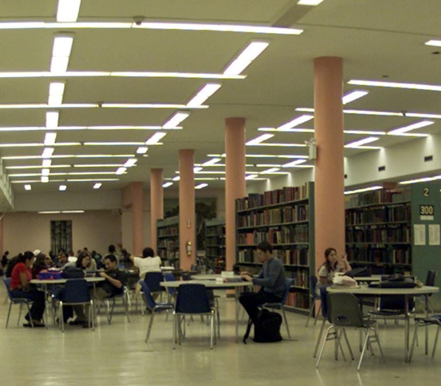 Vista de la biblioteca José M. Lázaro en la UPR de Río Piedras. (GFR Media) (semisquare-x3)