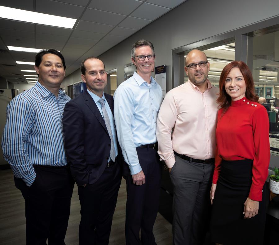 Desde la izquierda: David Thompson, Felipe Palacios, David Russell, Carlos Martis, y Joanne Rodríguez. (semisquare-x3)