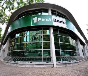 FirstBank busca formalizar la compra de Santander