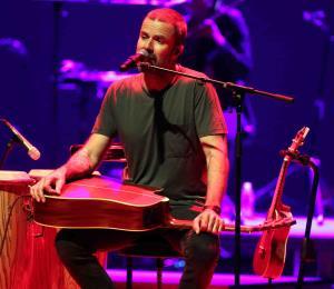 Pau Donés y Jarabe de Palo le cantan a la vida en Bellas Artes