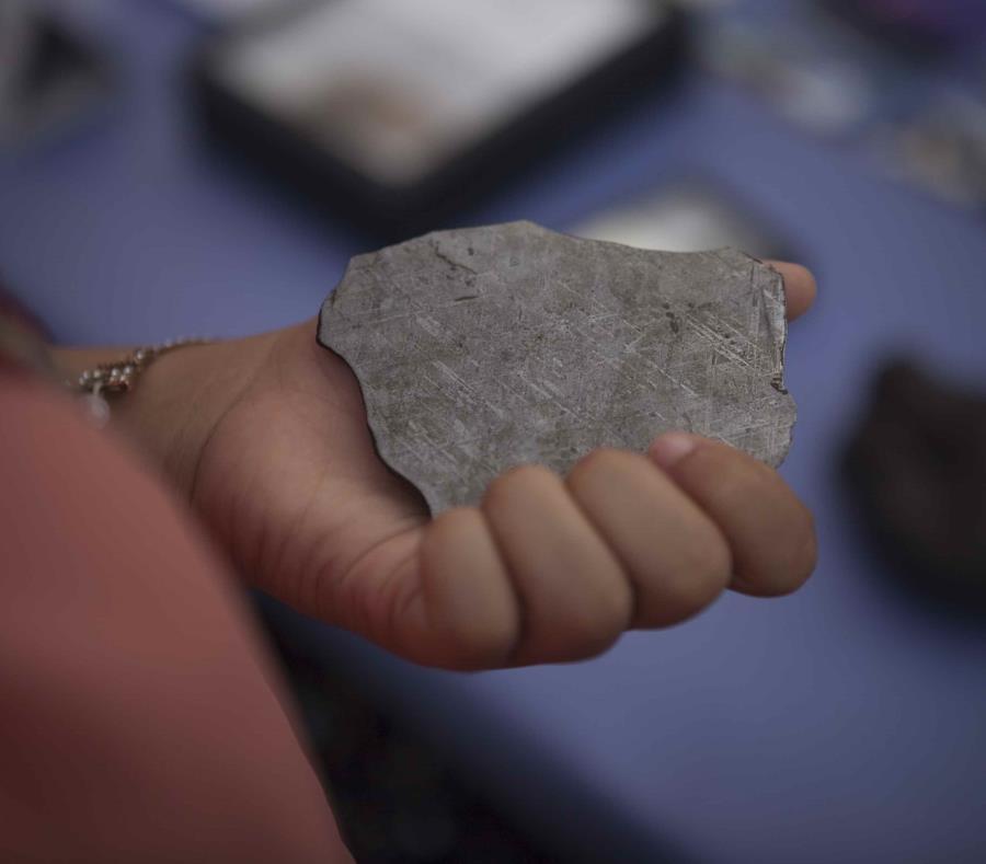 Impacta meteorito con un edificio en Japón