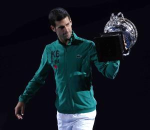 Djokovic gana su octavo título del Abierto de Australia