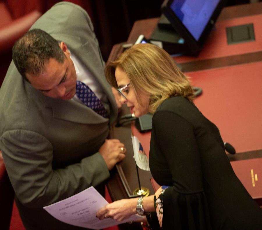 El portavoz de la mayoría PNP en el Senado, Carmelo Ríos, dijo que  los senadores votarán sobre el proyecto de libertad religiosa luego de analizar   la versión aprobada por la Cámara baja así como la de la senadora Zoé Laboy. (semisquare-x3)