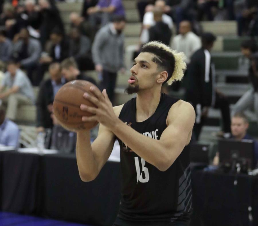 Brian Bowen II durante un draft de la NBA en Chicago. (AP) (semisquare-x3)