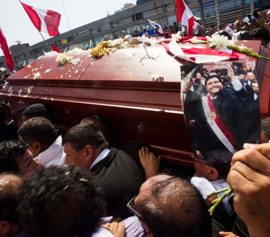 expresidente peruano Alan García (semisquare-x3)