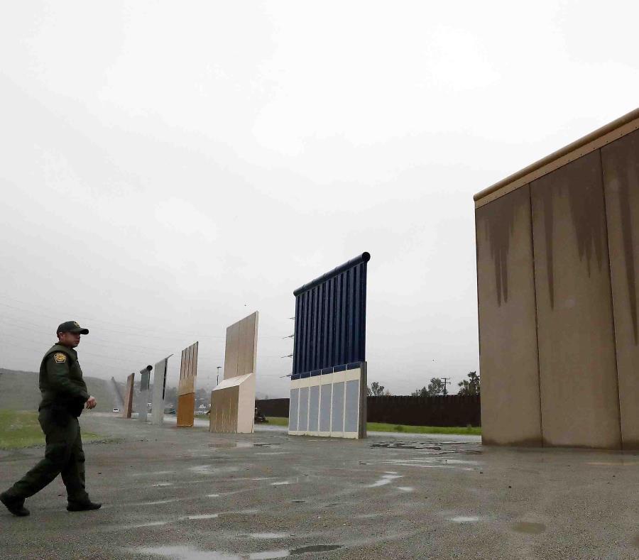 Trump elogia a México por vigilar muy bien la frontera sur