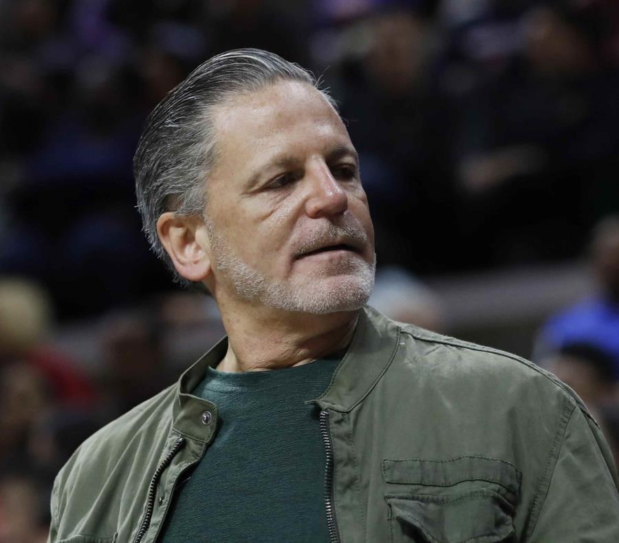 Dan Gilbert, propietario de los Cavaliers de Cleveland. (AP/Carlos Osorio) (semisquare-x3)