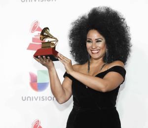 Aymeé Nuviola y el Septeto Santiaguero en los Latin Grammy
