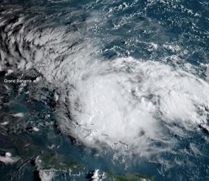 La tormenta tropical Humberto alcanza fuerza de huracán