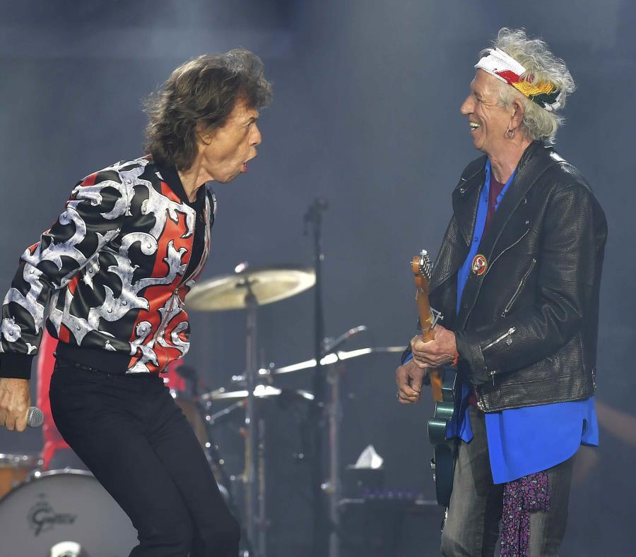 Mick Jagger, izquierda, y Keith Richards durante un concierto en Londres. (AP) (semisquare-x3)