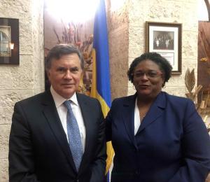 El gobierno de Barbados despedirá a 1,500 empleados públicos