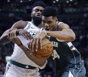 Antetokounmpo brilla en triunfo delos  Bucks sobre los Celtics